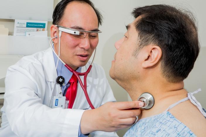 谷歌眼镜支持问诊